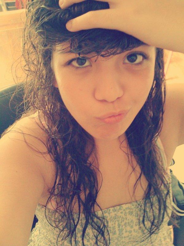 J'aimerais avoir un meilleur ami, un confident, toujours là pour moi. ♥
