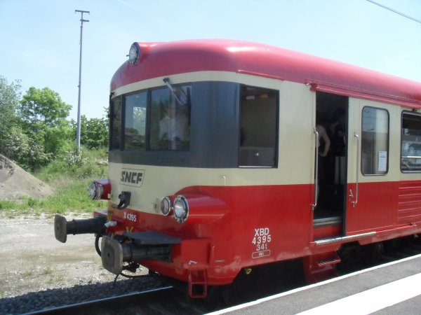 X 4395- XR 8505 en gare de Rang-du-Fliers