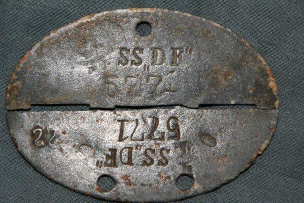 Rentrée exceptionnelle ! Erkennungsmarke précoce (SS-VT) d'un Waffen-SS du régiment ''Der Führer'' de la SS-Verfügungstruppe-Division qui devient plus tard la 2.SS-Panzerdivision 'Das Reich'.
