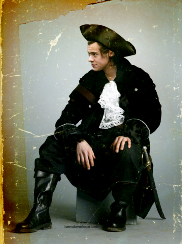 Harry en pirate ♡ !