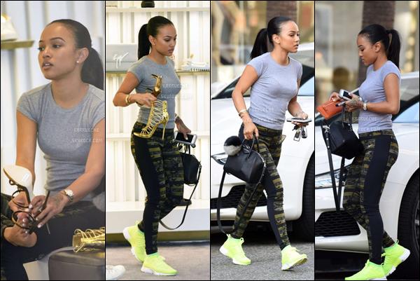 ► 22 Mai 2016 - A shopping day   Beverly Hills Miss Tran a été vue dans une tenue décontractée (avec sa magnifique voiture surtout!!) allant acheter des chaussures. Je la trouve sublime au naturel!