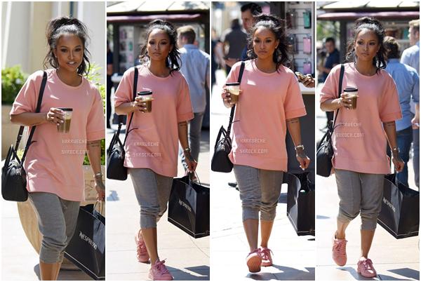 ► 24 Mai 2016 - A shopping day (again) | Los Angeles C'est absolument trop mignonne que nous retrouvons Karrueche. Elle portait une tenue assez décontractée, mais je la trouve tellement jolie! ** Un gros gros top encore une fois.