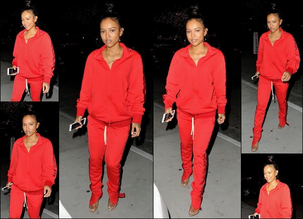 . 06.04.18 ◊ Karruechea été photographiée, toute de rouge vêtue, alors qu'elle sortait en soirée dans WeHo. Pour le coup, ceux qui n'aiment pas le rouge sont servis! Moi personnellement je trouve que ça reste très décontracté mais efficace. Top! .