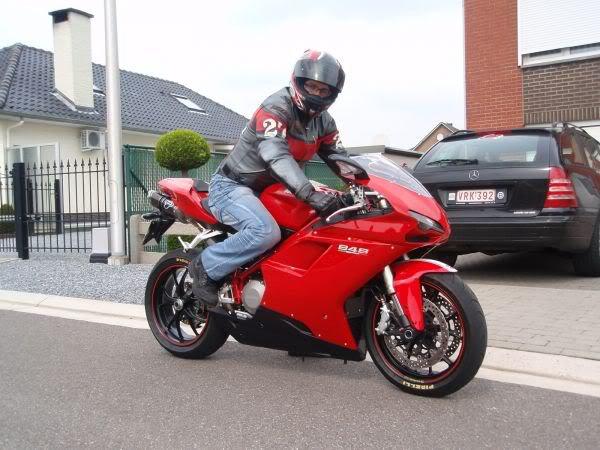 Moi Ma nouvelle Moto DUCATI 848