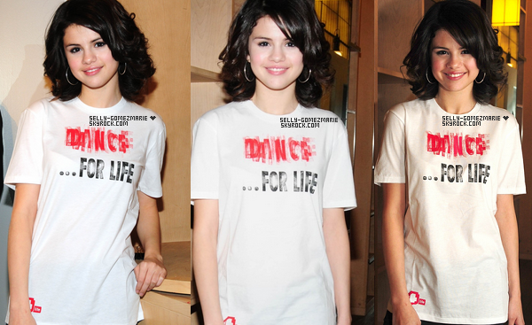 CANDID - Selena fesait un peu de Shopping le 3 décembre 2009