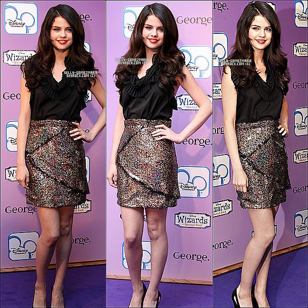 ▬▬Notre magnifique Selena, était au Fashion Show pour les Sorciers de Waverly Place.