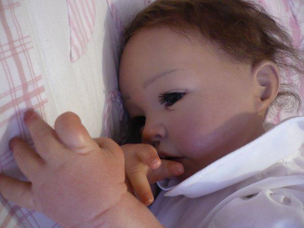 Ann-Lee a bien du mal à s'endormir... (5ème et dernier)