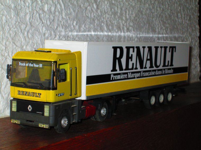 "RENAULT MAGNUM AE 500 ""PIECES DETACHEES"""