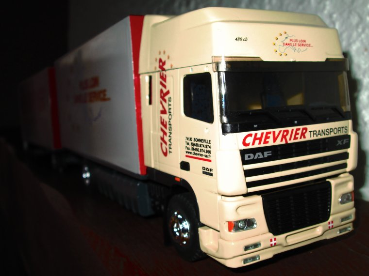 DAF XF 95 SUPERSPACE REMORQUE DIRECTIONNELLE CHEVRIER