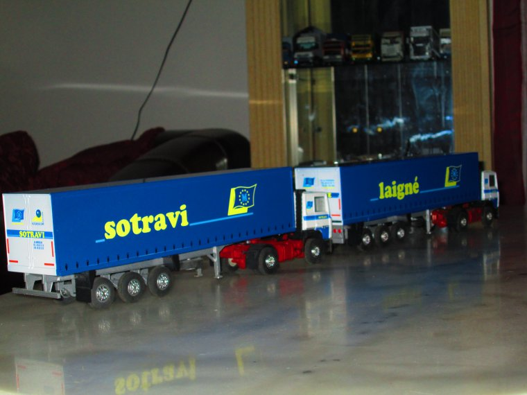 RENAULT R 350 SEMI FOURGON  LAIGNE.... SOTRAVI