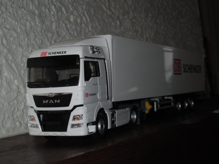 MAN TGX 18.480 SEMI FOURGON  DB - SCHENKER