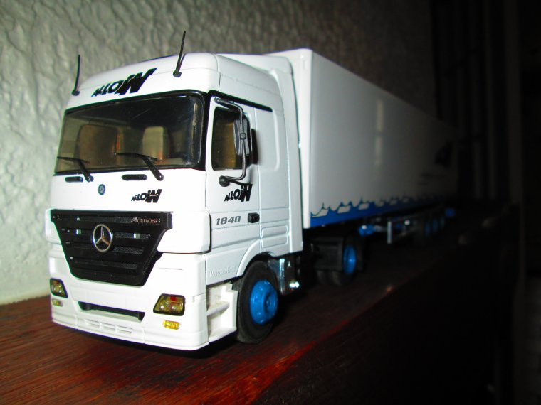 MERCEDES ACTROS 1840  MEGASPACE MP 2 TRANSPORTS MESSAGERIE ALLOIN
