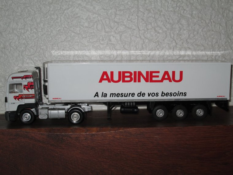 RENAULT TURBOLEADER R 390 SEMI FRIGO AUBINEAU
