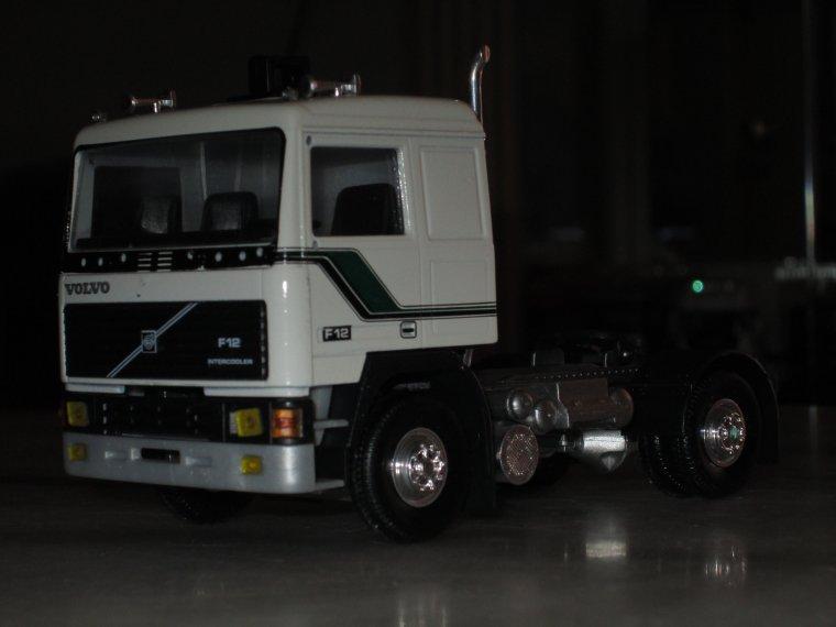 VOLVO F 12 intercooler