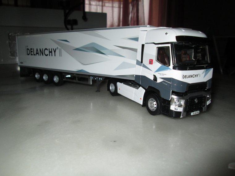 RENAULT T 520  frigo DELANCHY