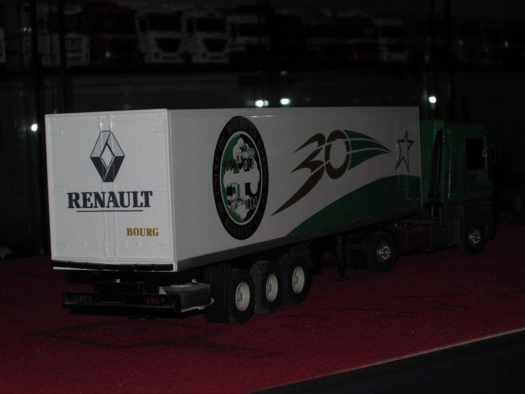 RENAULT VI AE 520 30 ANS  USINE BOURQ EN BRESSE