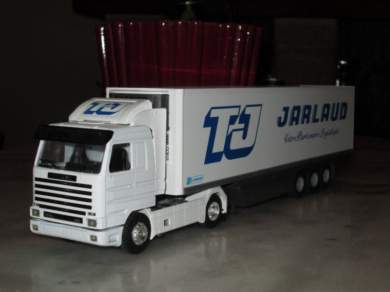 SCANIA TRANSPORTS FRIGO  JARLAUD