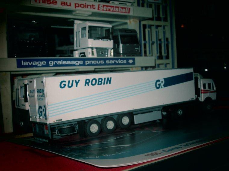 mercedes guy robin