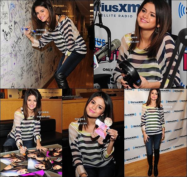 14 mars :  Selena était à la radio « Sirius XM » pour parler de « Who Says ».Dimanche 13 mars 2011 : Dans l'après-midi, Sel a été aperçue à l'aéroport de Los Angeles..