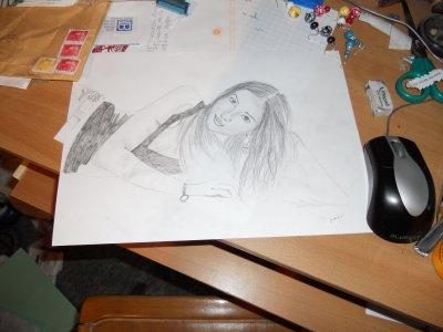 Esquisse d'un dessin pas encore tout à fait finit sur la photo ...
