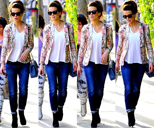 .  Le 22/01 : Kate est allée faire un peu de shopping sur Melrose, en compagnie d'une amie, à West Hollywood .