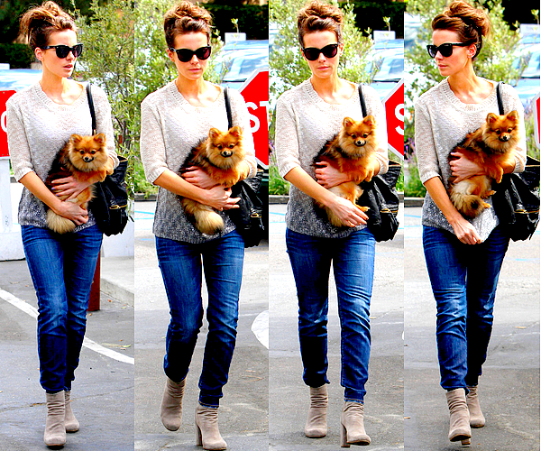 .  Le 01/04 : Kate s'est rendue à la parfumerie Jo Malone London en compagnie d'une amie, à Los Angeles.