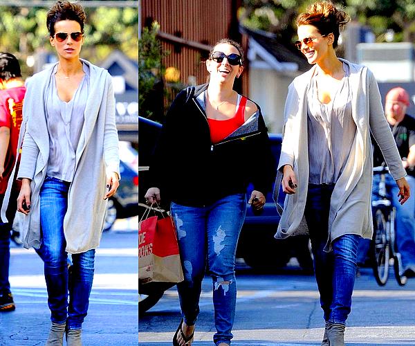 . Le 11/10 : Notre Kate est allée faire du shopping en compagnie d'une amie, dans le quartier de Brentwood.