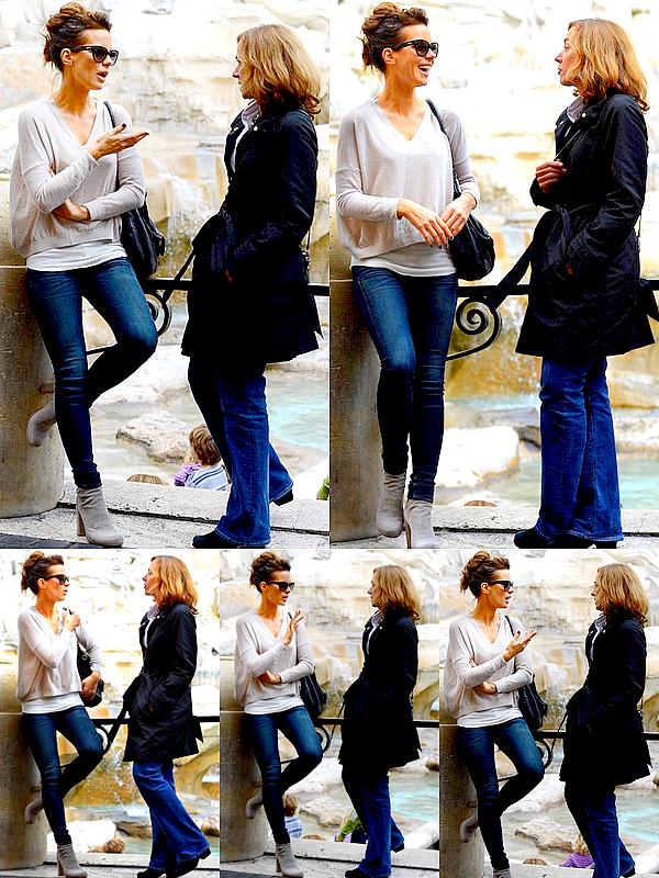 """. Le 08/11 : Kate Beckinsale était à Rome où elle a été photographié aux côtés de l'écrivain Barbie Latza Nadeau .  L'actrice s'est rendue à Rome afin de préparer son prochain film, """"The Face of An Angel"""". Elle y a fait quelques recherches sur l'affaire et son rôle de journaliste, notamment en rencontrant Barbie Latza Nadeau, auteur du livre """"Angel Face"""". Le tournage devrait commencer le mois prochain et se déroulera principalement à Rome et en Toscane. Sortie prévue pour 2014 ! ."""