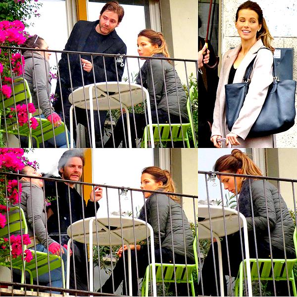. Le 12/11 : Kate a de nouveau été aperçu sur le tournage, attendant devant un appartement puis sur une terrasse.
