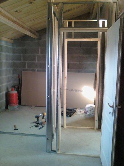 faire une ouverture dans un mur en parpaing, pour faire une cloison en placo, doublé, pour faire une cave!!!