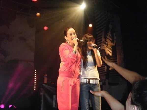 """Melissa M avec Kenza farah au zenith chantent """"Mon ange"""""""