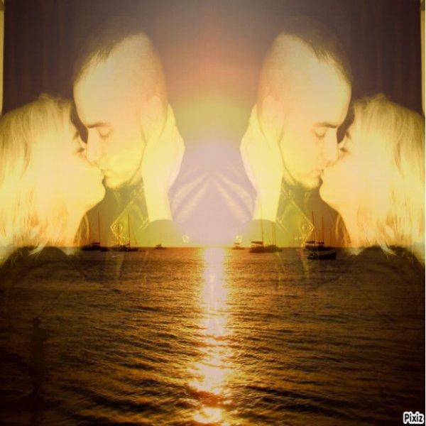 Entre rêve et réalité mon histoire prélude, je t'ai trouvé après tant d'années de solitude, tu es rentré dans ma vie sans que je m'y attende, toi qui est près de moi l'être qui a su raviver cette flamme en moi, toi qui arrive dans ma vie comme une lueur de bonheur, toi avec qui j'espère finir ma destinée, tu as pu me rendre enchantée, Que Dieu nous réunit et ensemble on soit pour la vie !!!
