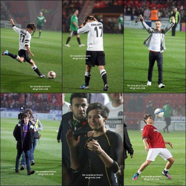 Arrivéé des Garçon au Stade Keepmoat , Doncaster + Louis jouant au football pour une oeuvre de charité   (23.10.2012)