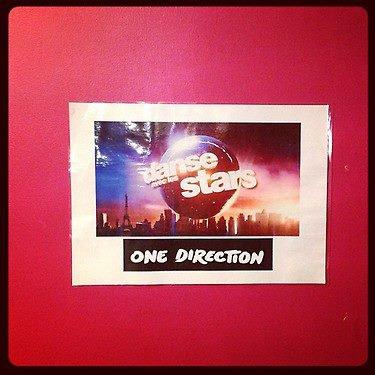 Les One Direction sont arrivée sur le plateau de Danse avec les Star il y a environ 1 heure