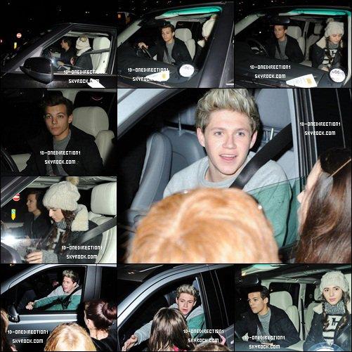 Louanor , Niall et Liam ont été aperçus à l'aéroport Heathrow à Londres. (21.12.2012)