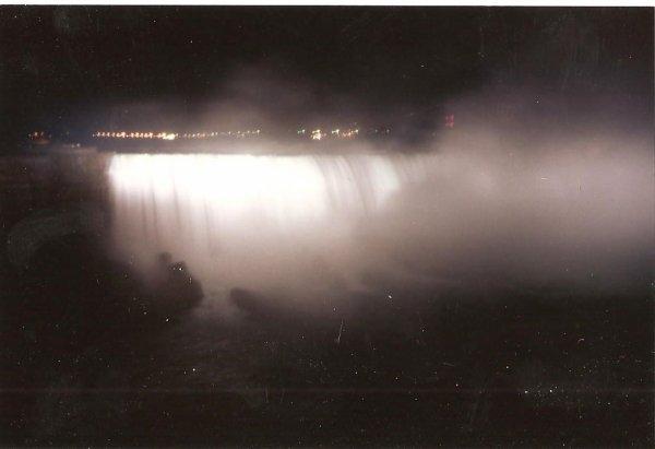 CM 1994 aux Etats-Unis: Chutes du Niagara