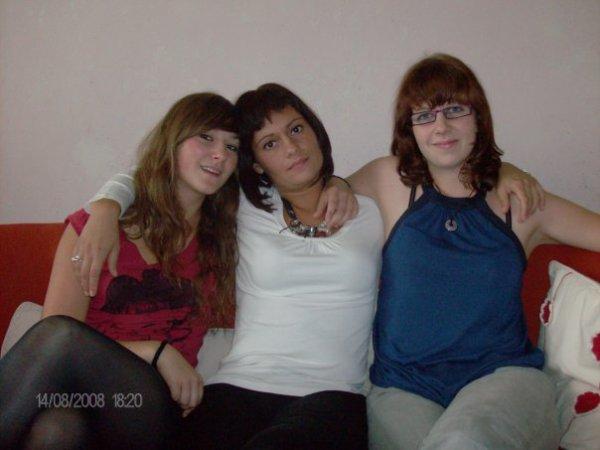 mes cousines nadia  laila et sofia  je vous aimes