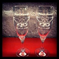 Gravure sur Flûtes à Champagne !