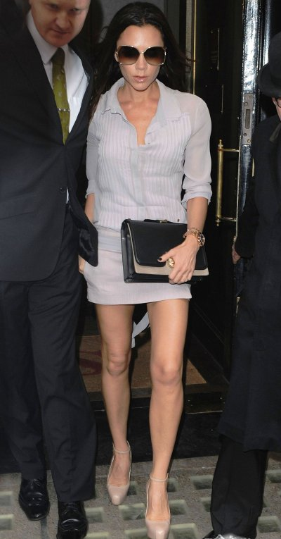 Victoria Beckham attire toujours autant les foules à chacune de ses sorties