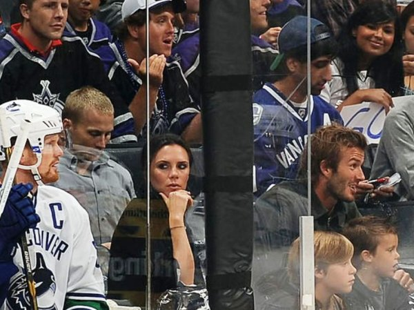 Victoria et sa famille au match de Hockey des LA Kings !