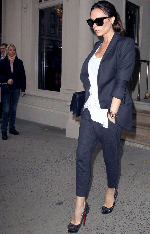 Victoria Beckham à la sortie de Barneys à New York