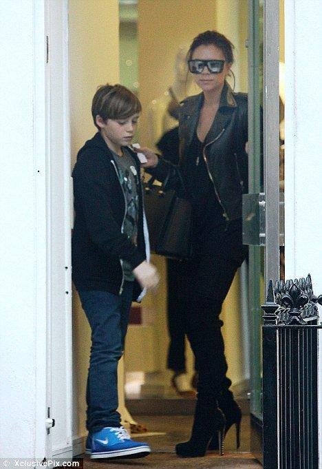 Victoria emmène son fils au boulot !