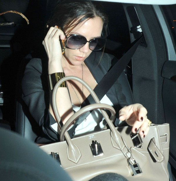 Victoria Beckham travail dure à Londres !