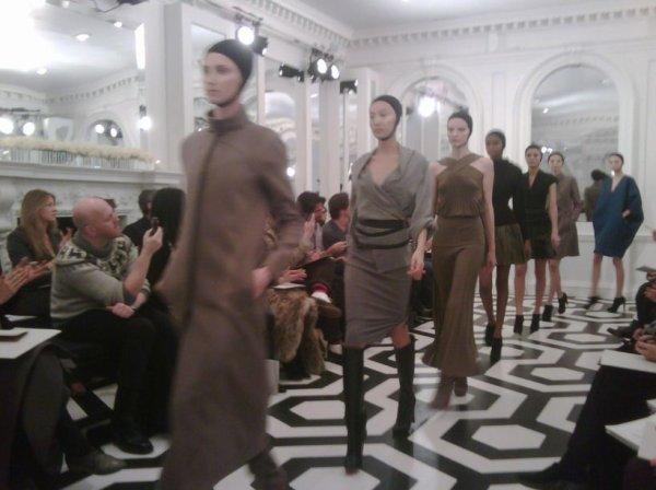 Victoria Beckham présente sa collection automne hiver 2011 en présence d'Anna Wintour !