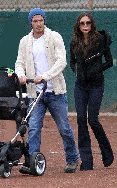 VICTORIA BECKHAM, DAVID & HARPER - LOS ANGELES - 12.11.2011