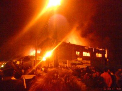 le feu dans le centre commerciale a jijel