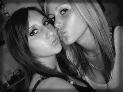 Deux fille tr sympatike tr jolie une vie for Sarah riani miroir miroir parole