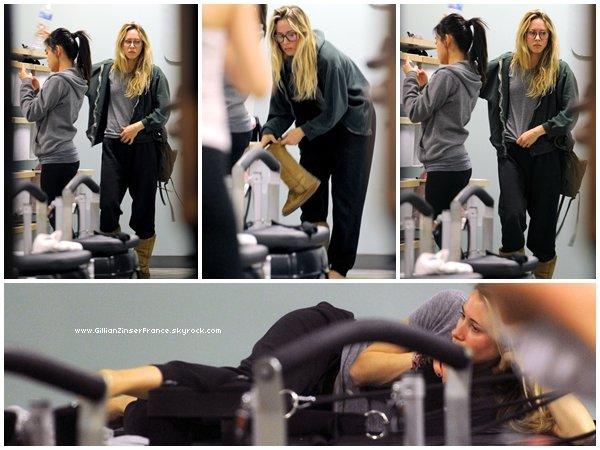 20 février : Gillian assiste à un cours de Yoga à Venice.