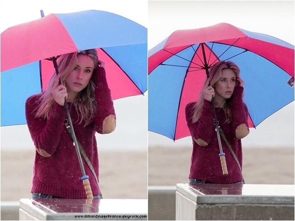 12 décembre : Gillian sur le tournage de 90210.