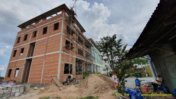 Phase II de la construction de l'orphelinat Phoenix.